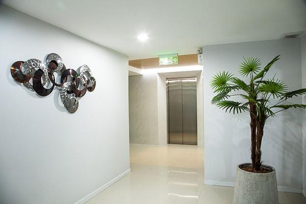 Lift foyer